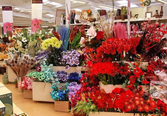 Где можно купить цветы оптом для региональных клиентов с доставкой